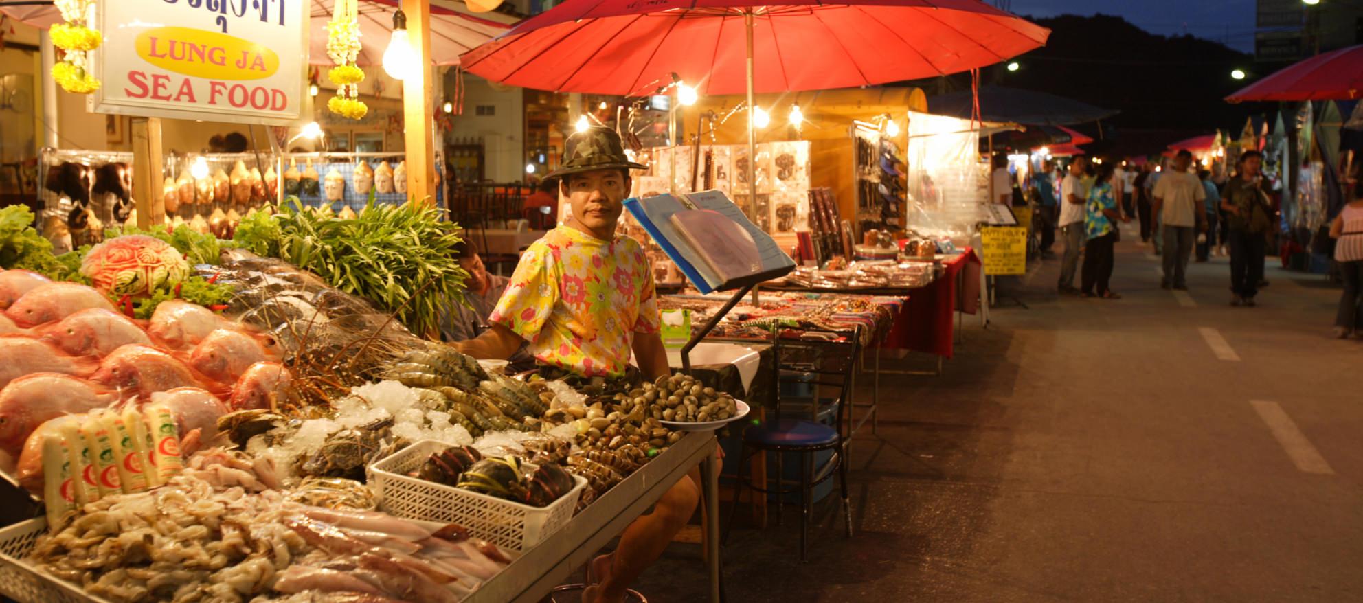 explore-night-market-2
